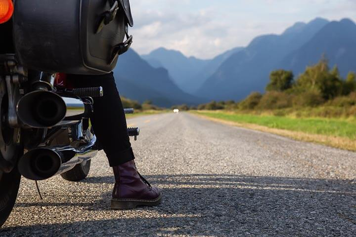 Motorcycles for women: rites of passage