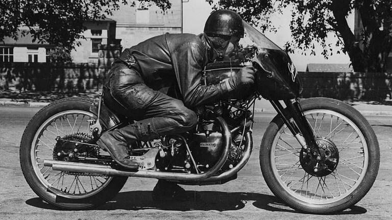 Ehret in his Record Breaking Riding Position 1952