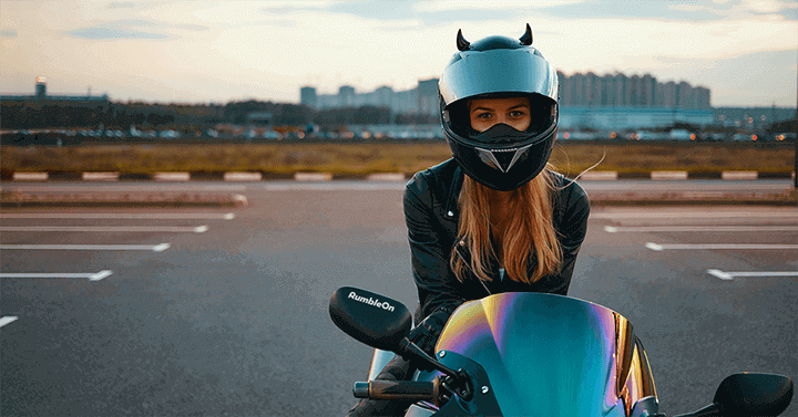 Women motorcycle riders