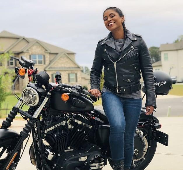 smiling with Harley Davidson Harley Davidson Sportster Iron 883