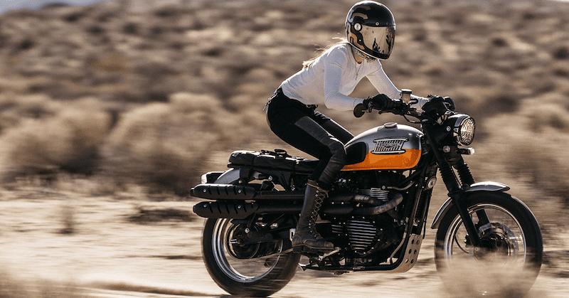 Triumph scrambler in desert