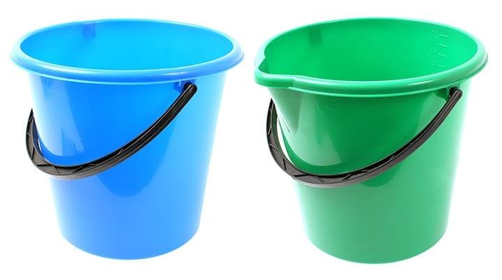 Two bucket motorcycle washing method