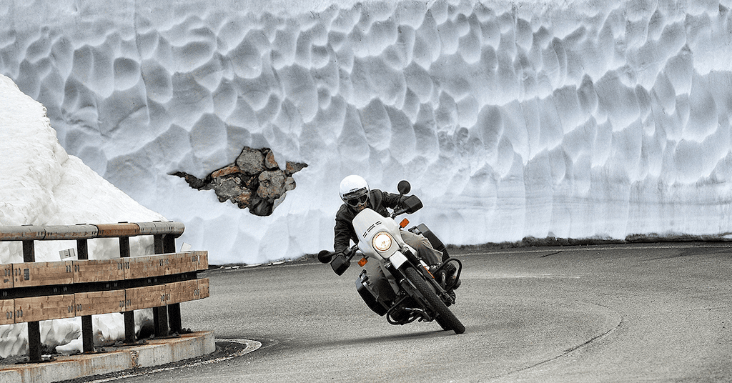 How to Ride a Motorcycle During the Winter Holidays